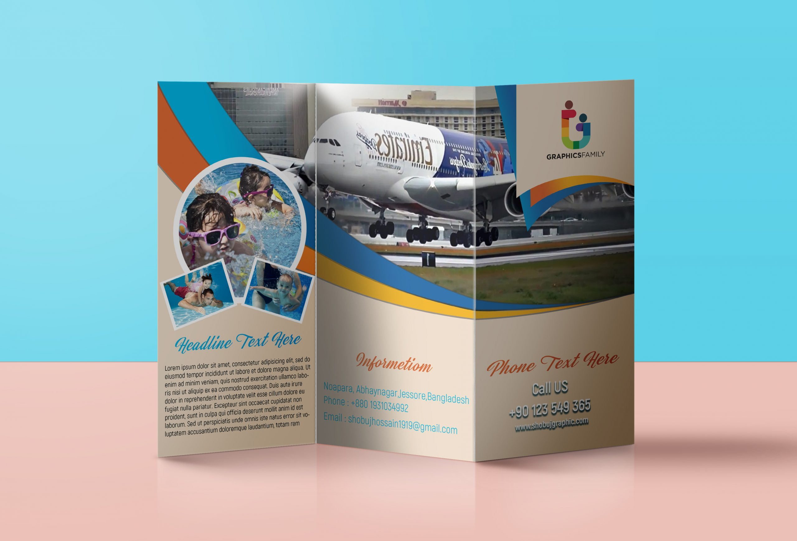 Traveling trifold brochure free psd