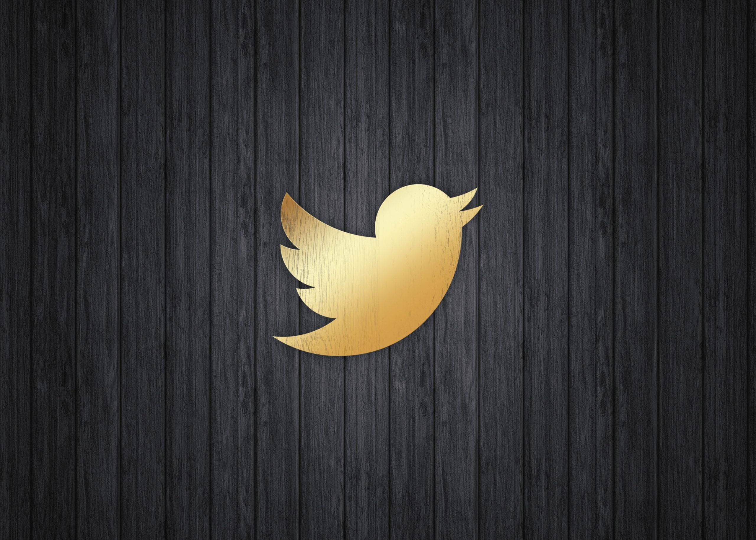 Twitter on gold mokcup