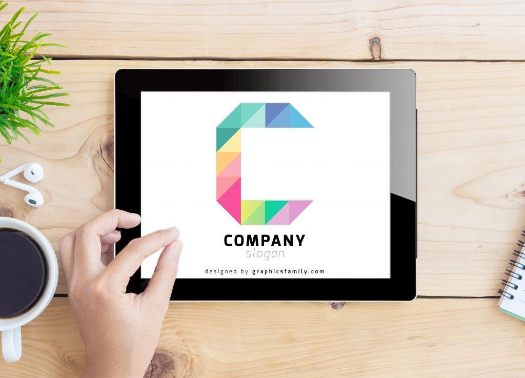 letter c logo mockup tablet