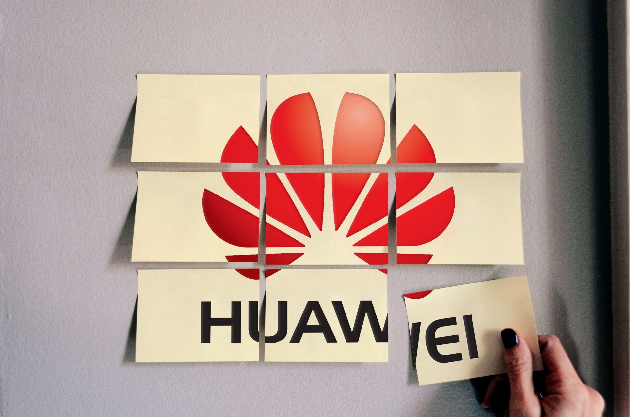 Huawei Free Sticky Notes Logo Mockup