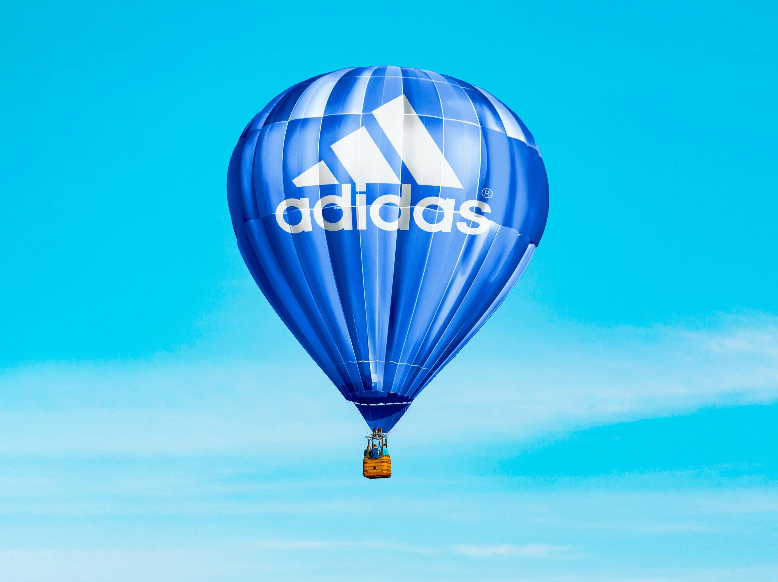 Hot Air Baloon Mockup Adidas
