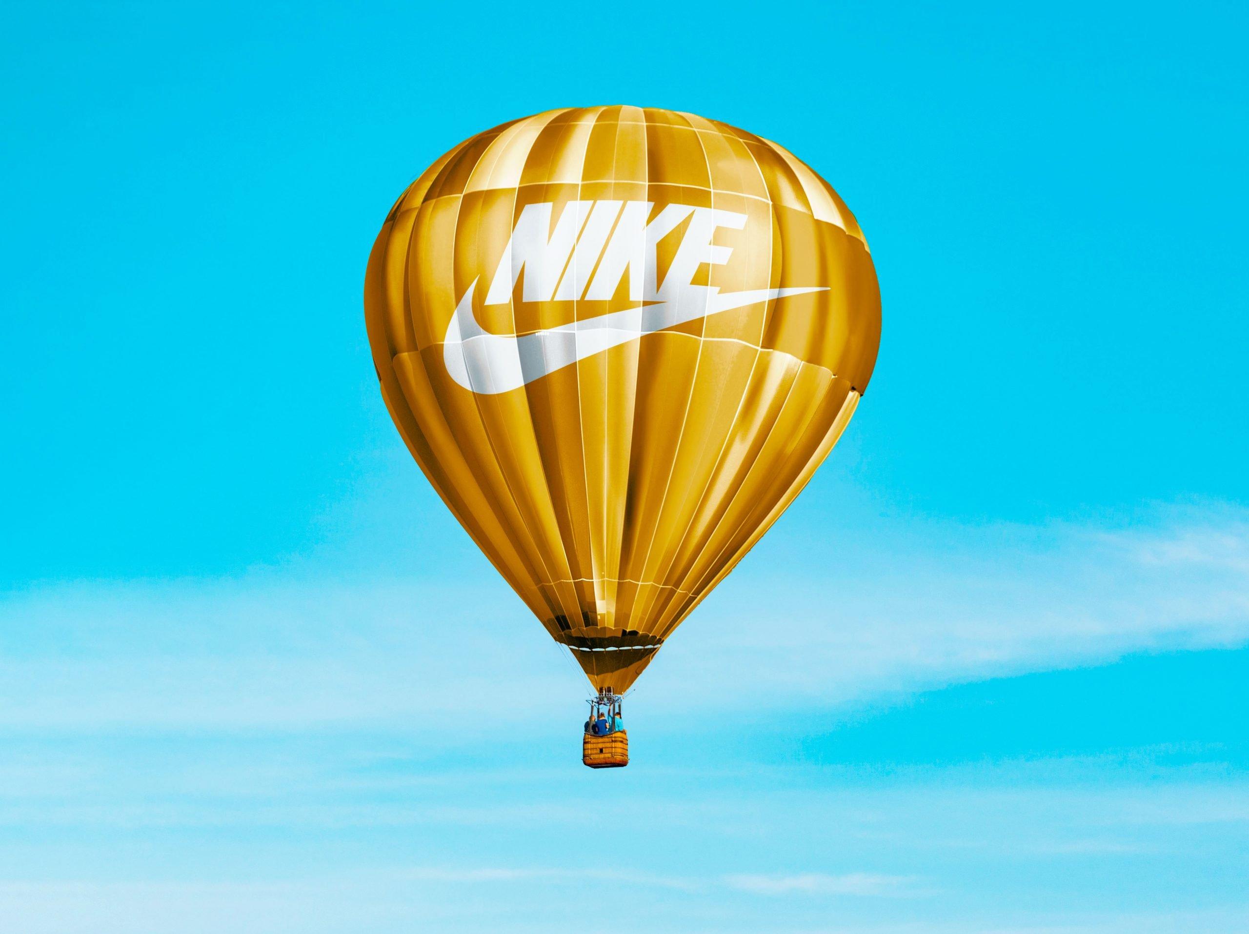 Hot Air Baloon Mockup Nike