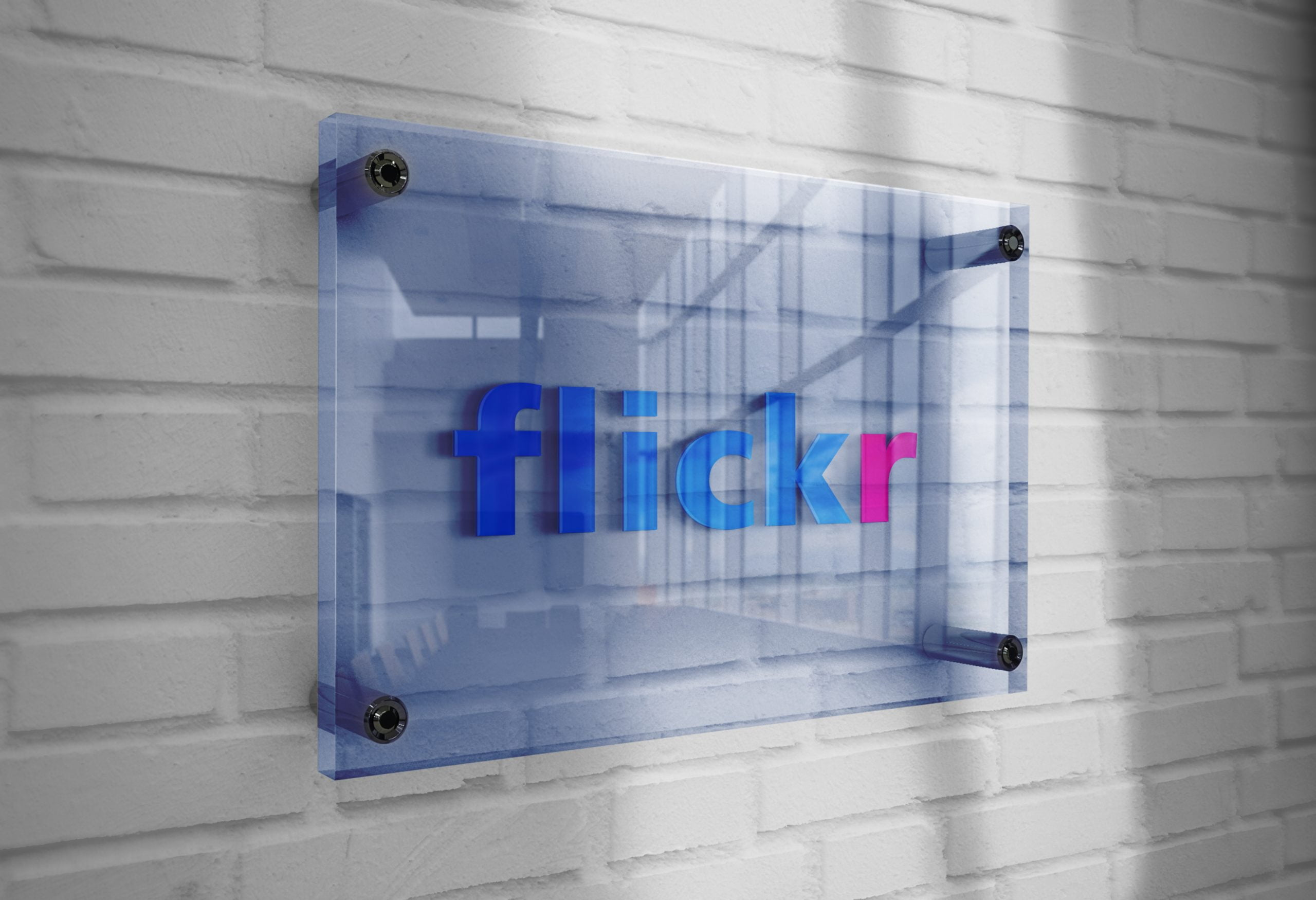 Flickr-Logo-Mockup-3D-Glass-Plate