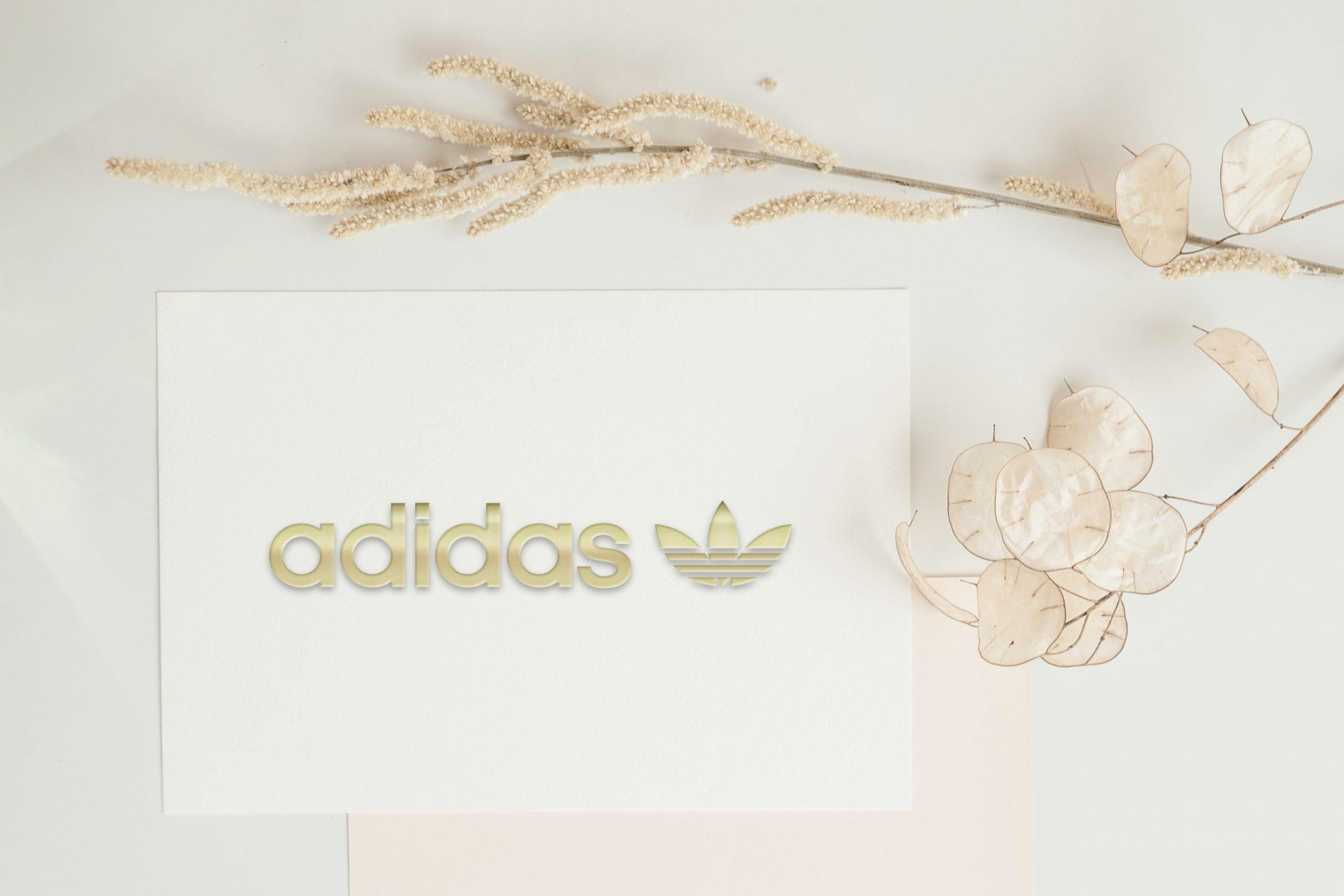 Free 3D Embossed Golden Logo Card Mockup