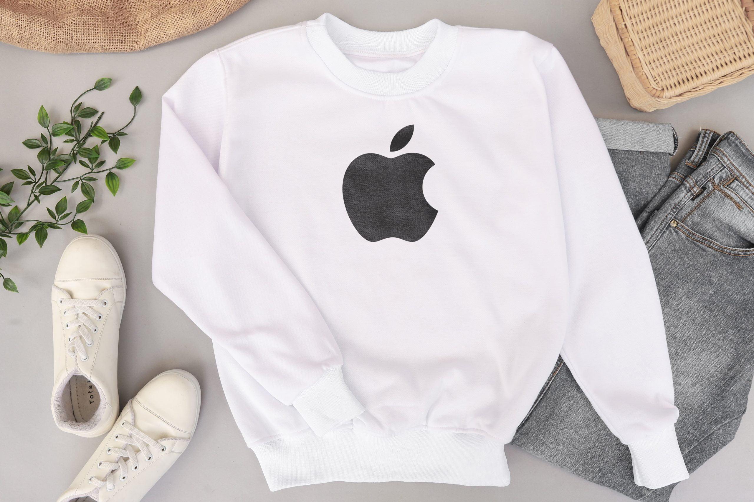 Free Download Minimal Sweater Shirt Logo Mockup