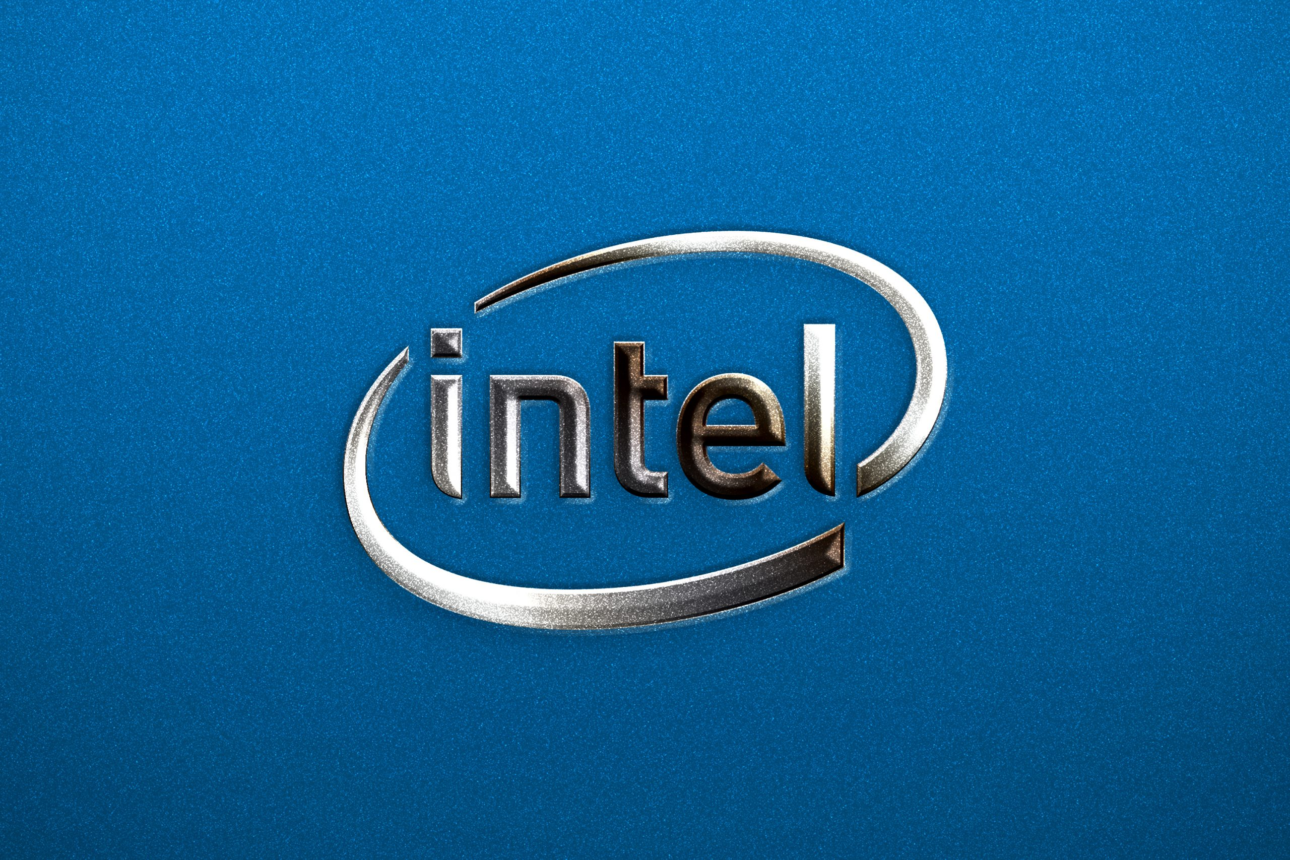 Free Silver Shine Metallic Logo Photoshop Mockup